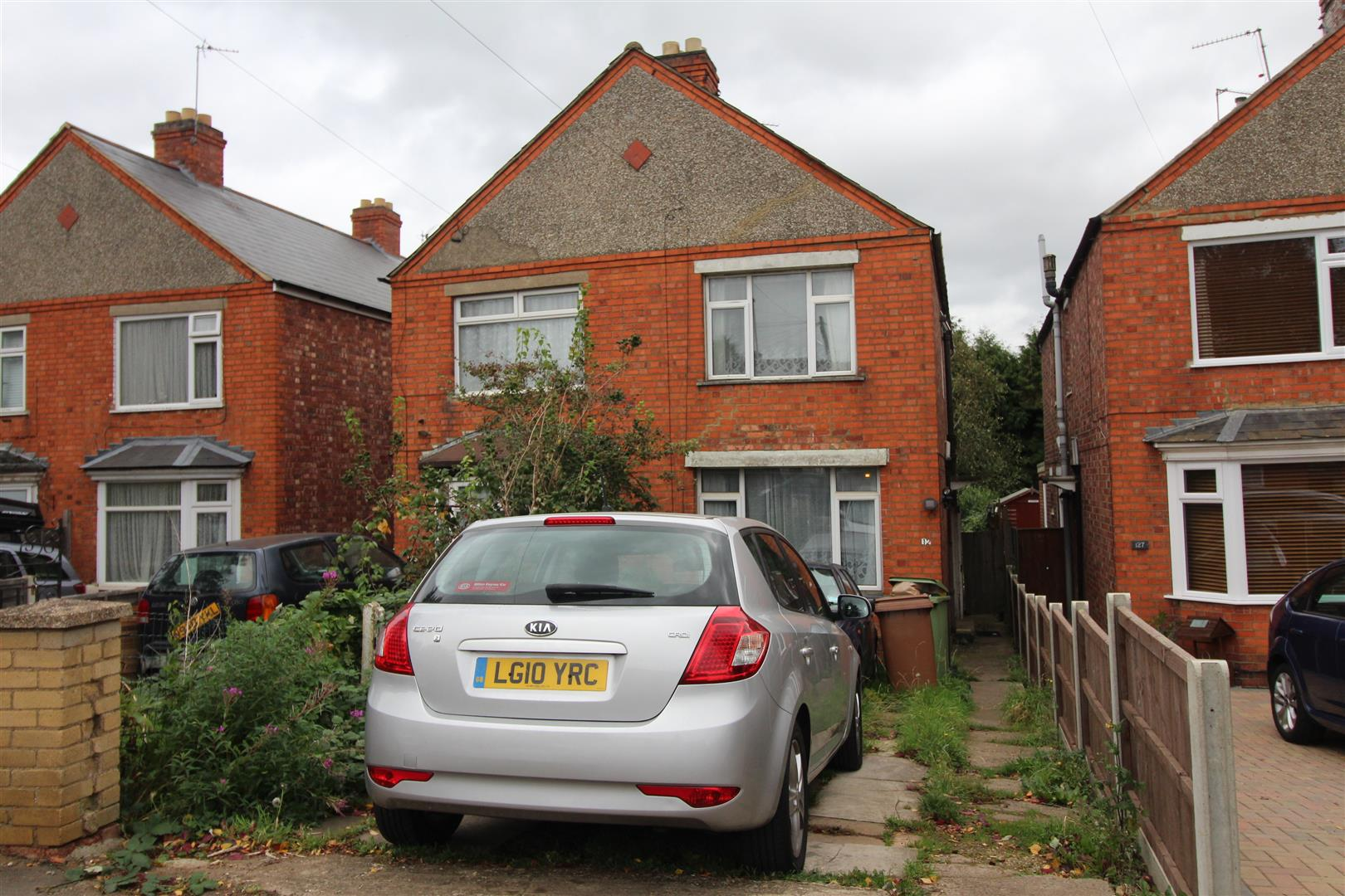 3 Bedrooms Semi Detached House for sale in Eastfield Road, Wellingborough